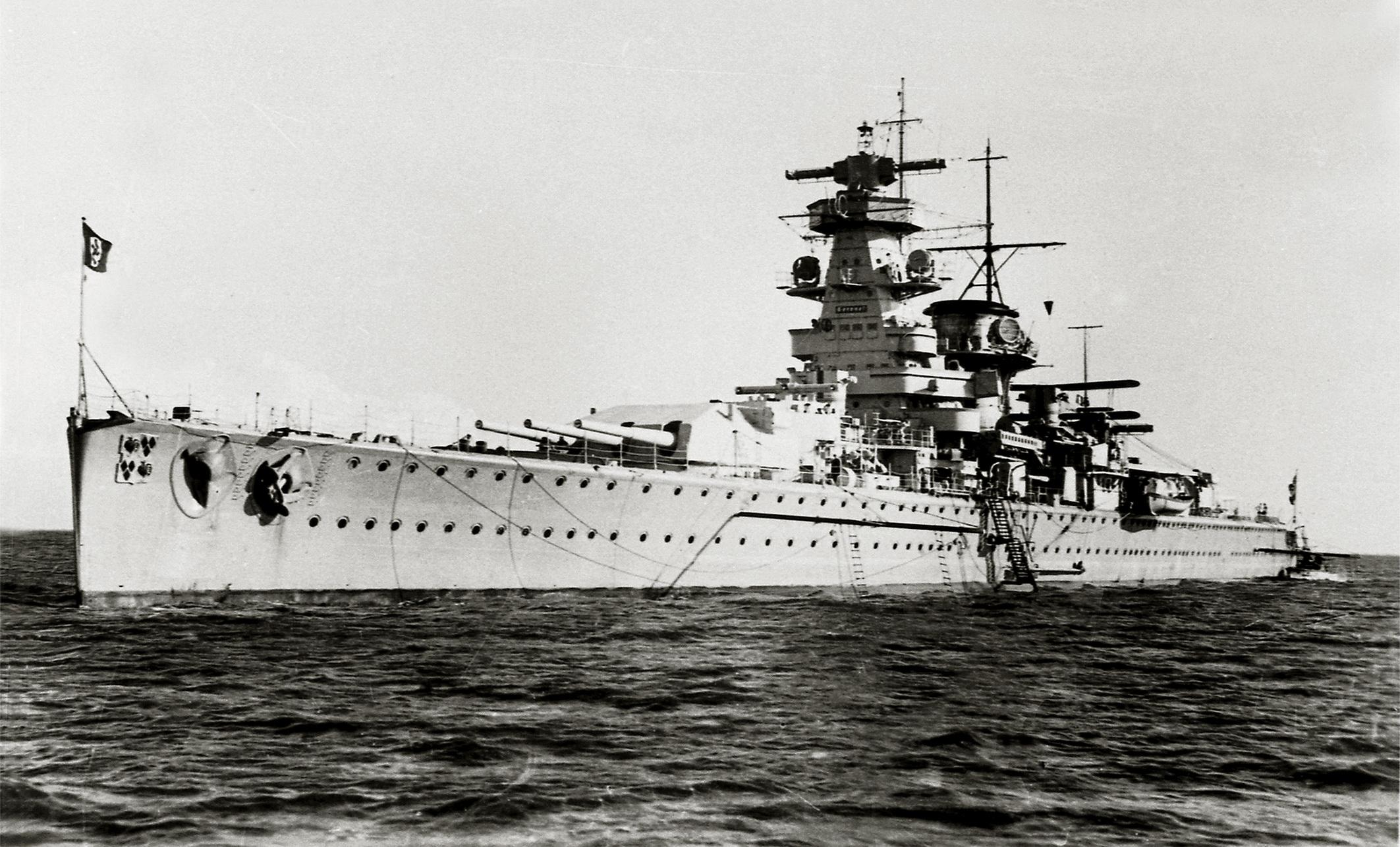 Admiral-Graf-Spee-1939.jpg