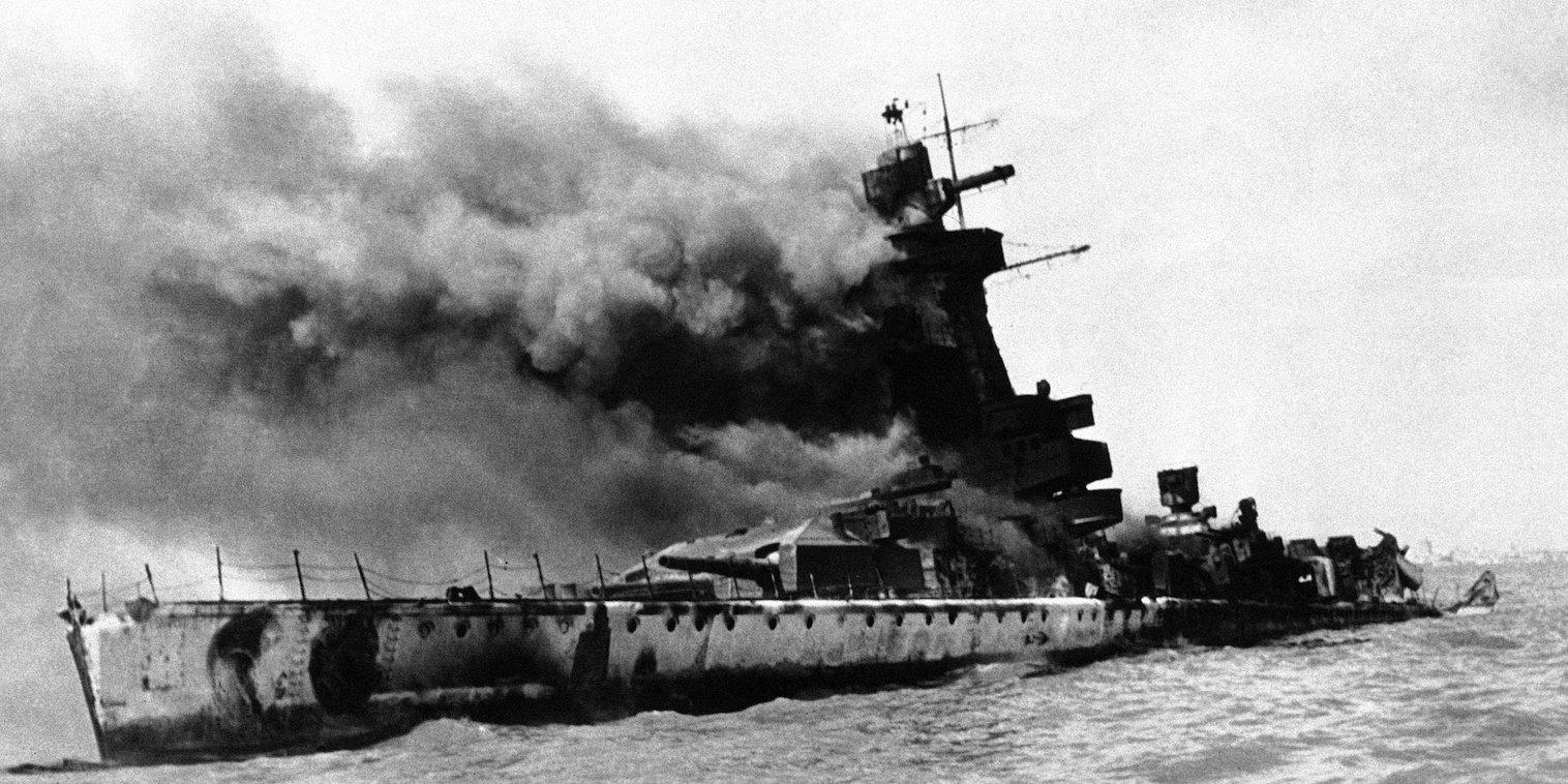 Admiral-Graf-Spee-demolitioned-Montevide